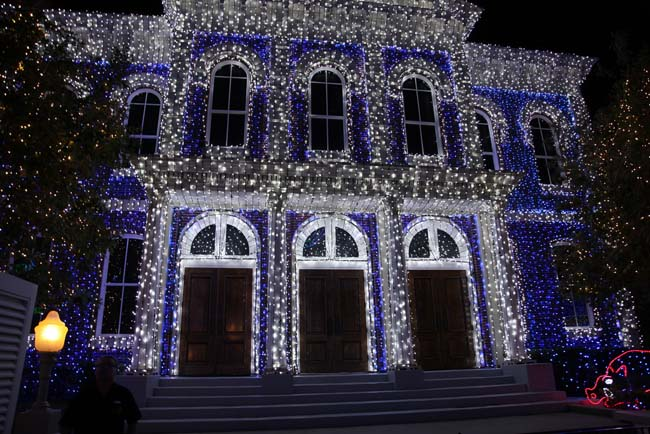 Osborne Family Spectacle of Dancing Lights 2
