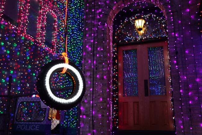 Osborne Family Spectacle of Dancing Lights 4
