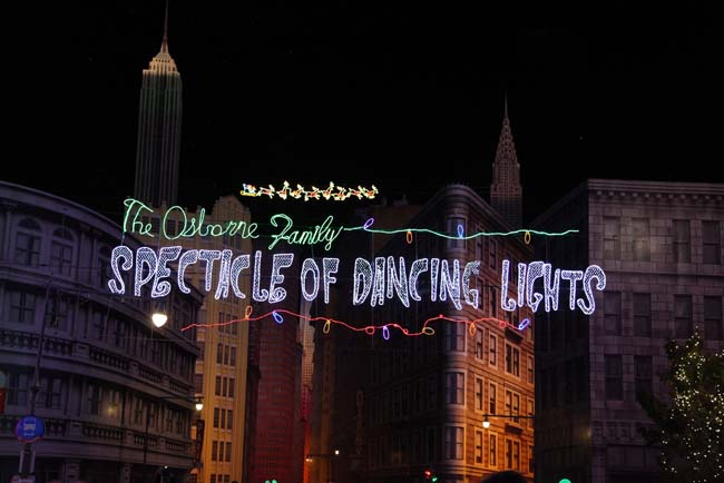 Osborne Family Spectacle of Dancing Lights 1